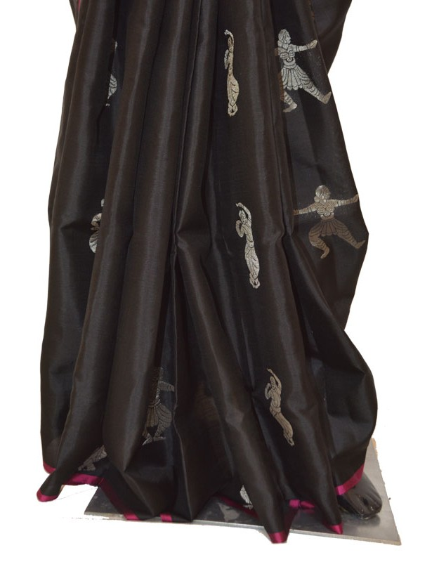Black with Majenta Light Weight Soft Silk Sarees with Classical Motifs