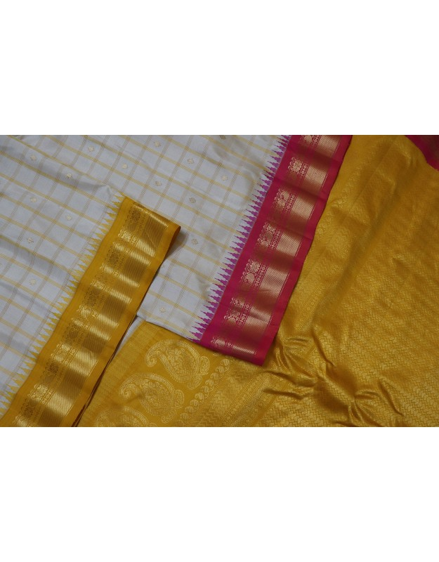 Gadwal Pure Silk with Checks Butta Gangajemuna Border