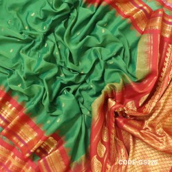 Gadwal Sico Pure Handwoven with Green and Red-GS226